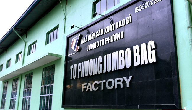 Khu vực sản xuất nhựa